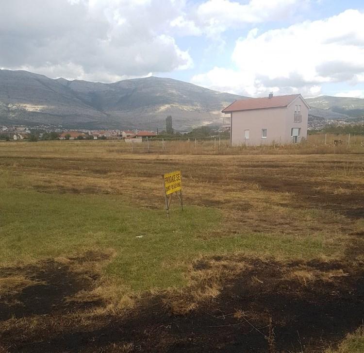 zemljište-prodaja3 (2).jpg