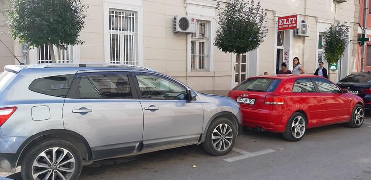 opet -parking.jpg
