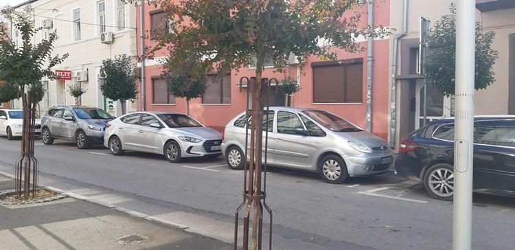parking-fotelje3.jpg