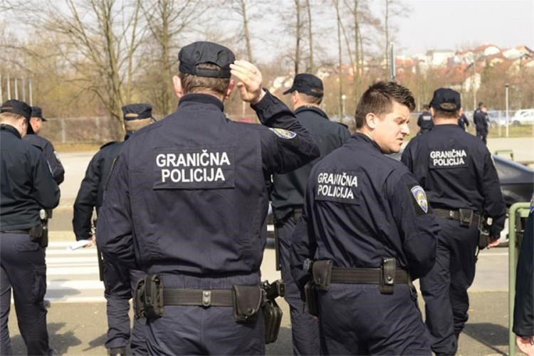 granicna-policija-korona.jpg